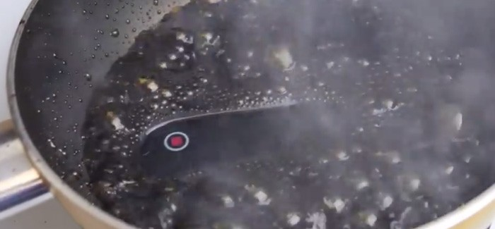 Watch what happens when an iPhone 6 is boiled in Coke